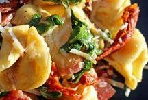 Salads, Slaws & Salsas / Great flavorful salad, slaw and salsa recipes.