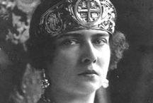 Queen Maria Mignon
