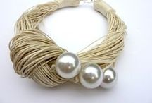 Handmade Pearl Jewelry / materialoop