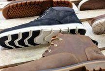 Grote maten schoenen / Als je op zoek bent naar grote maten schoenen voor heren, dan ben je bij Bigmensfashion aan het juiste adres! Bij Bigmensfashion hebben wij een wisselend assortiment met schoenen en slippers in grote maat. Ben je op zoek naar een modieuze of juist een comfortabele schoen, graag helpen wij jou om jouw outfit uit te breiden. En dat kun je ook nog eens eenvoudig online aankopen, zonder hiervoor de deur uit te hoeven gaan.
