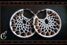 Joyas de crochet / Pendientes, collares, pulseras,... / by Elena Expósito