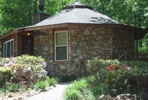 Don's Den / Don's Den is an ideally located Asheville vacation rental, with forests on one side and hemlocks to screen the other side. Its location above the mountain stream and playground make it a great spot to enjoy a relaxing mountain scene. Its wrap around deck with porch rockers, outdoor dining table and electric grill enable a family to enjoy the outdoors to the maximum.