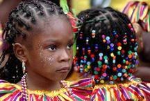 Buntes Trinidad / Trinidad zeigt sich in allen Farben des Regenbogens.