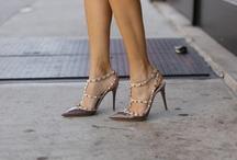 des chaussures / by Saskia Bruinders