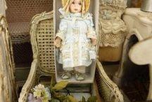 Poupées miniatures — Miniatures dolls / Poupées entièrement réalisées à la main, inspirées par Jumeau, Bru et autres poupées anciennes — Doll made entirely by hand, inspired by Jumeau, Bru and other old dolls