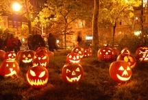 Pumpkin Carving - Halloween / How to carve a pumpkin for Halloween / Comment creuser une citrouille pour faire une Jack-O'-Lantern de Halloween // Lisez notre article pour connaitre le mode d'emploi : http://www.cuisineamericaine-cultureusa.com/mode-demploi-comment-faire-une-citrouille-pour-halloween