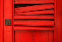 Pantone Red 32 C / vermelho   red   rojo   SA2