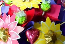 Thank you / Want to send a token of appreciation for a job well done, an extra mile gone, or some great help received? Edible Blooms has a wonderful selection of affordable thank you gifts to suit the occasion, from pails of treats to chocolate flower posies and even a few beers to enjoy after the hard yards are done... Perfect for when you want to send a little thank you gift that doesn't cost the earth.