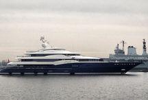 Yachts / Kippoja, joilla kelpaisi rallatella menemään yli aaltojen