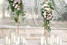 ceremony decor / Inspiration for the wedding ceremony, from flower arches to floral fireplaces.