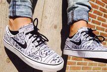 Schuhe Damen und Herren ✔ / ✔Schuhe für Damen und Herren. Shoes for men and women. #Styles designs high #heels for women Frauen / #Damen Schuhe mit schönen #Schuhen ✔