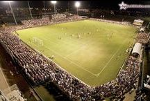 US college soccer stadiums / Photos, videos and articles about stadiums and other soccer facilities in universities and colleges in USA.