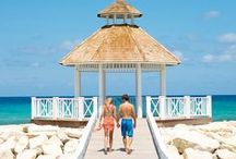 Romantic Getaways / From weekend trip for two to the honeymoon of a lifetime, follow for all things romantic.
