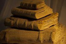Tonioni Museo Collection / Libros de Arenisca de Leonardo Tonioni para los Book Shops's de los Museos de todo el mundo