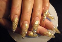 Nail Polish / We provide you the best types of nail paints