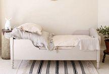 | neutral bedroom |