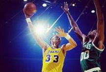 Basketball History / Articles and web sites describing historical basketball events & profiling legendary players.