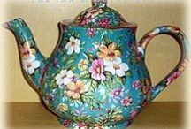 Tea Pots / How beautiful. Art has many faces and this is certainly one of them. These make any table look breath-taking.