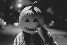 Halloween / Recipes, costumes ideas and everything scary!