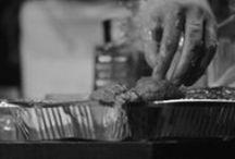 """INFRARED RIDING HOOD – CAPPUCCETTO INFRAROSSO / La nuova produzione 2014 – 2016 della Markus Zohner Arts Company. BLOOD RED RIDING HOOD è innovazione continua di pensiero e di forme, gesto vivo, tagliente, energico sempre rinnovato, mai statico e ripiegato su se stesso. É un teatro che sperimenta, nella sua creazione e nella finale messa in scena. E proprio sul """"prodotto finale"""" da realizzare ci si è concentrati pensando allo sviluppo di questa nuova fase del progetto."""