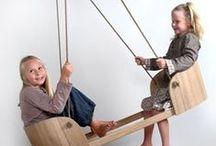 Juguetes de madera, cartón y tela