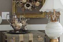Fall Decor Inspiration / Fall decor inspiration, vintage home decor for the fall, rustic and shabby chic look for your home for Halloween and Thanksgiving.