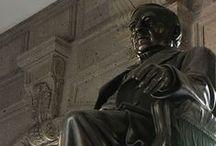 MONUMENTOS Y ESCULTURAS / Algunos monumentos y esculturas del Benemérito de la Américas en México y en el extranjero