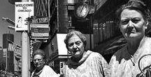 VIVIAN MAIER / Vivian Maier, née le 1er février 1926 et morte le 21 avril 2009 (à 83 ans), est une photographe de rue américaine dont le travail est demeuré inconnu jusqu'à sa mort et sa découverte fortuite.