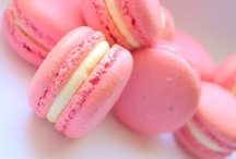 c๏c๏ภยt เce / A little bit of pink, a little bit of white.