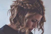 Short hairstyles for wavy hair / Hair