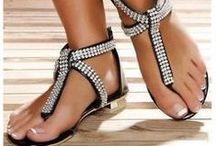 Fetiche, lindos pés femininos/Beautiful female feet