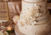 Wedding Cakes & Desserts / Beautiful and delicious wedding cakes and desserts