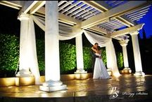 The Handlery Hotel San Diego / This newly renovated hotel offers wedding ceremonies in their beautiful garden, along with reception services and other wedding needs.