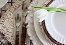 {Wedding: Vintage} / Vintage weddings, ideas, table settings!  Lace, embroidery, mirrors, books, candles and a nostalgic taste of the past!