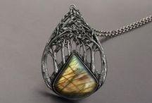 necklace (колье, кулоны, подвески)