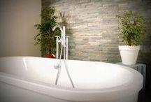 Aux bains, douches / Salles de bains, et salles d'eau : des idées décos et DIY pour la décoration de salle de bain, classique, moderne, chic et charme