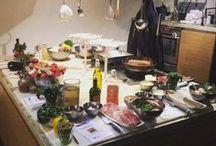 GrachtenAtelier Italiaanse Kookworkshop / Ben je op zoek naar een leuke kookworkshop met collega's of vrienden? Dan is deze kookworkshop zeer geschikt, want zeg nou zelf, wie is er niet verliefd op de Italiaanse keuken!