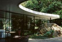 Oscar Niemeyer / Famous Architects