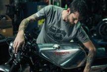 Casual / J'aime continuer à porter l'esprit moto au travers de mes vêtements au travail, au quotidien ou pour les week-ends relax entre potes. La moto, c'est plus qu'une passion, c'est un état d'esprit qui ne vous quitte pas.