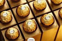 La magie Ferrero Rocher / Ferrero Rocher, c'est un art de vivre qui a donné naissance à une élégance jamais égalée.   Découvrez nos bouchées mises en scène au coeur d'ambiances raffinées !