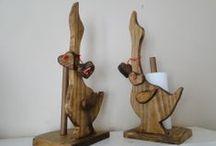 Rústicos La Tablita / Rústicos La Tablita, es un negocio familiar, dedicado a la fabricación de muebles rústicos, con estilo campesino. Son fabricados con madera de Pino Radiata, ya que esta especie tiene una hermosa veta que le da más realce a las piezas. Cualquier consulta al 2236817 con Elfrida Sigoña Argentina #0474 Punta Arenas  Chile