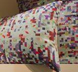 TEXTILE / Linge de maison et d'accessoires textiles. Irrésistible envie de matières... Les plus grandes marques de linge maison. Effets textures et couleurs, jeux de lumière et de transparence, coordonnés et graphismes inédits : c'est l'émotion textile.
