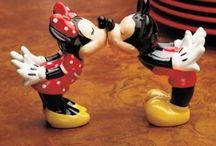Disney / Mickey e Minnie, e todos os personagens que fazem da nossa vida um conto de fadas!