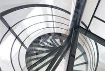 Escalier Décoration Noir et Blanc / Escaliers Décors® (www.ed-ei.fr) vous propose ici un cahier de tendances sur les intérieurs décorés en noir & blanc pour que votre escalier s'harmonise avec votre décoration, votre mobilier, vos objets, vos goûts, votre personnalité. Vous aimez les lignes pures et sobres, la modernité, le design. Avec Escaliers Décors®, imaginez le vôtre !