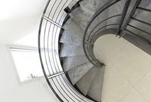 Un Escalier en Acier et Béton - Laissez monter le silence !