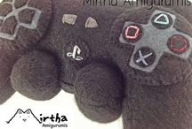 Felt plush toy @cyclabrujita y @mirthamigurumis / www.facebook.com/MirthaAmigurumis Instagram: @mirthamigurumis Instagram: @cyclabrujita