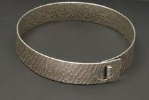 Bracelets / From copper to sterling silver, fashionable bracelets to decorate your arm!