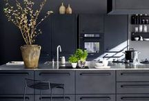 Beautifully Black Bathrooms & Kitchens / Black is back in the kitchen and bathroom. Don't be afraid to incorporate this daring shade in your home design!