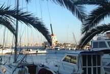 Unsere Ferienhäuser in Südfrankreich / Wir bieten Ihnen zwei komfortable Ferienhäuser für zwei bis vier Personen an.  Außerdem finden Sie Bilder, um sich einen Eindruck von dieser wunderschönen Urlaubsregion machen zu können.  Und immer topaktuell informiert sind Sie, wenn Sie unser Fan auf Facebook (www.languedoc-urlaub.de) oder Twitter (@LanguedocUrlaub) werden. Da wimmelt es vor Veranstaltungshinweisen und Ausflugstipps! Oder Sie besuchen uns einfach auf unser Homepage www.languedoc-urlaub.de