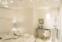 Bedrooms With Luxe and Sheen / Bedroom Decorating Inspiration